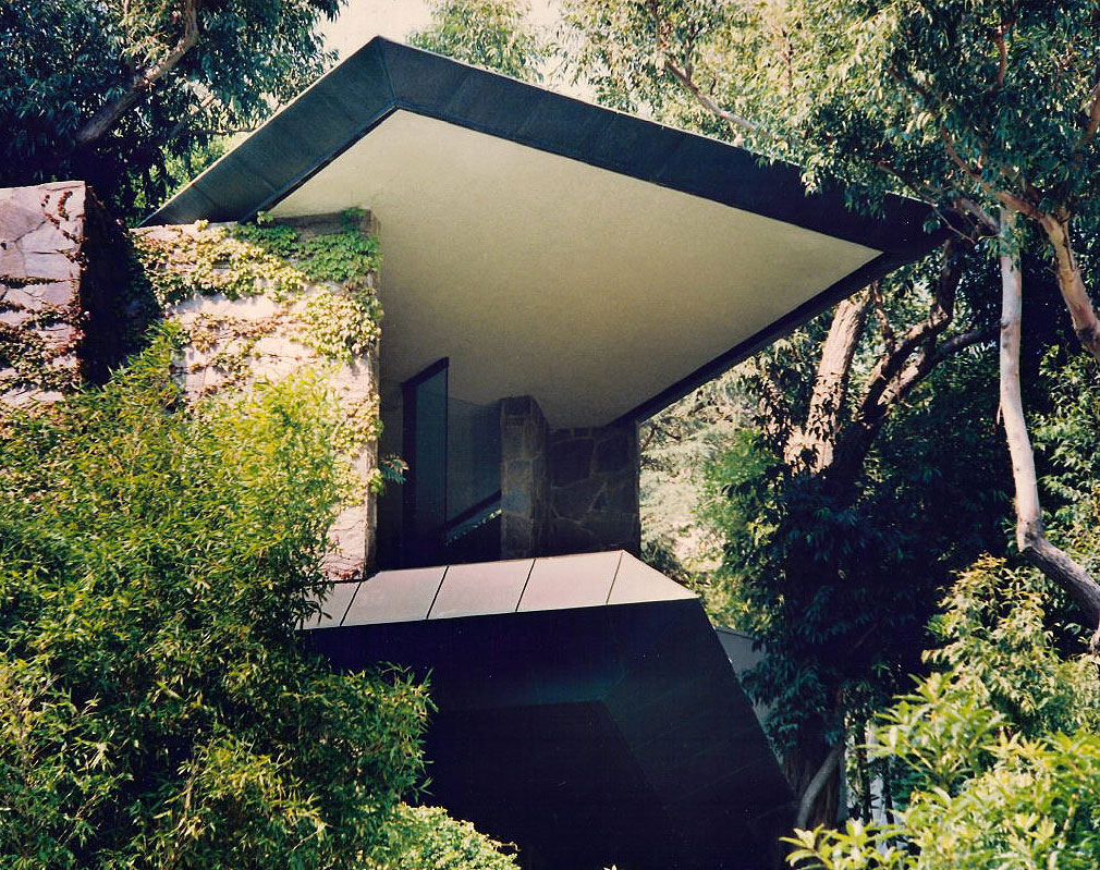 The-Wolff-House-by-John-Lautner